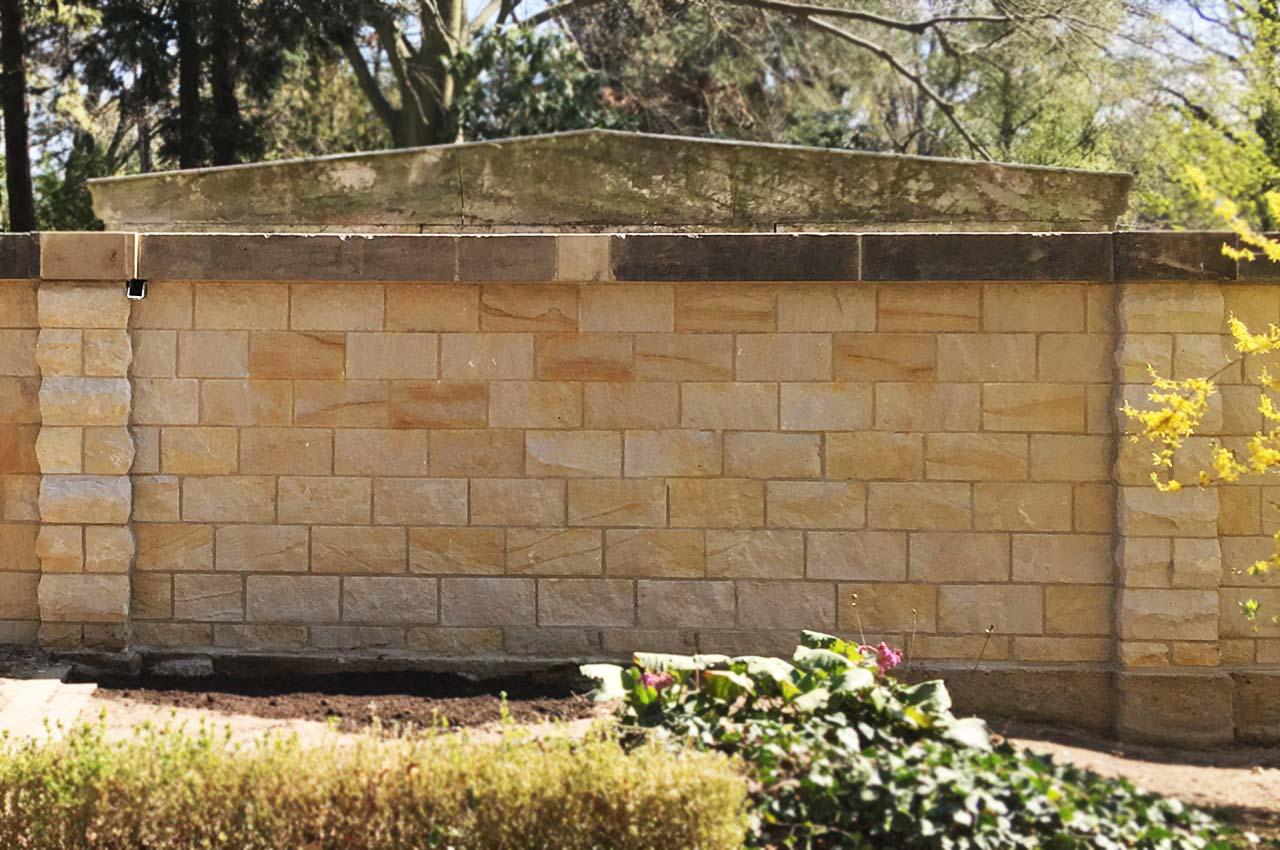 Mauer aus Sandstein