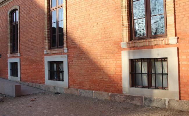 Fensterumrahmung aus Obernkirchener Sandstein (4)